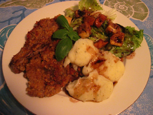 Penko bread crumb chicken fried steak w potatoes. Fried in 'Select' olive oil